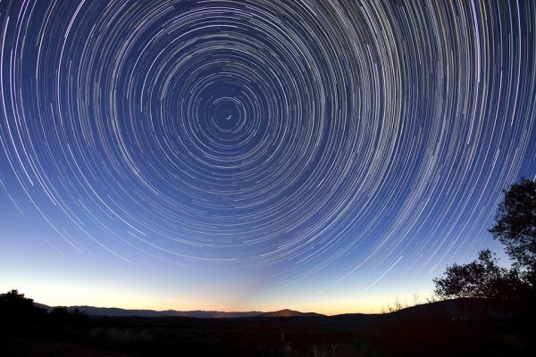 star-trails-828656_960_720